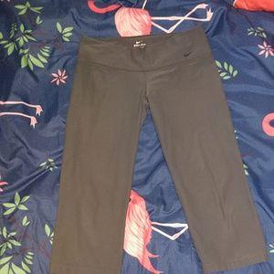 Nike Pants & Jumpsuits - Nike DriFit Athletic capri